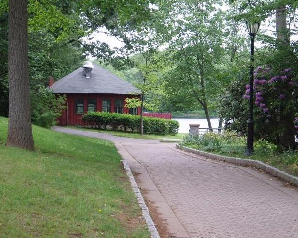 The lakeside pavilion in Mohegan Park center is literally beside Spaulding Pond.