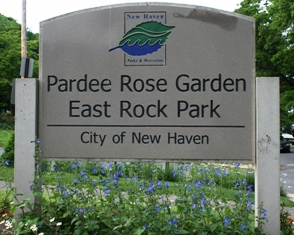 Sign for the Pardee Rose Garden near Hamden, CT